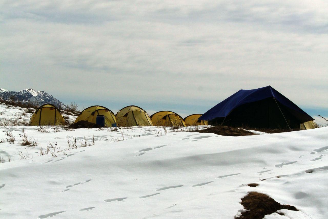 A campsite on a snowy ground